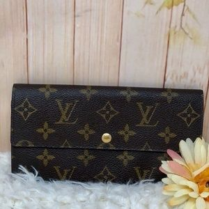 Authentic Louis Vuitton Monogram Sarah Long Wallet